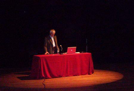 Enorme capacidad de análisis nos brindó Jorge Frascara en su inédito Seminario en la Ciudad de La Plata