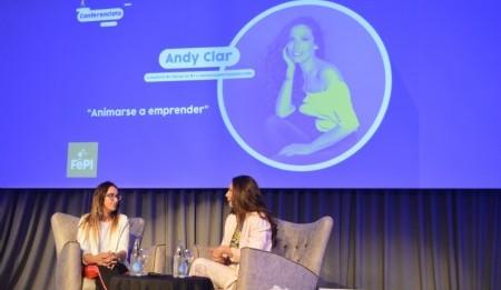Belen Viano miembro del equipo de la organización de FePI entrevistando a Andy Clar. Foto: Dopler Todos los derechos reservados