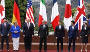 Taomina, Italia se cubrió de los colores del G7