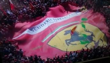 Impacto visual de los de los fans de Ferrari  #Formula1 en Italia