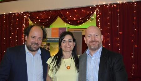Con los talentosos diseñadores amigos Juan Shakespear y Lorenzo Shakespear en el evento en el Salón Roma La Plata. Foto Dopler Todos los derechos reservados