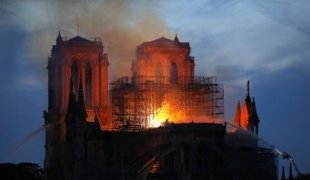 Los tesoros de Notre Dame: obras y reliquias de la gran catedral francesa que el fuego se está llevando