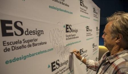 David Carson ofreció una conferencia en ESdesign Barcelona