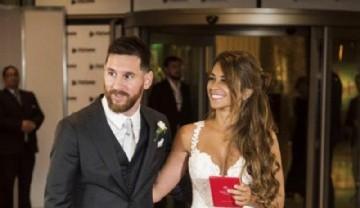 El casamiento de Messi. Escote sugerente en la espalda y un bello diseño: cómo es el vestido de Antonela Roccuzzo
