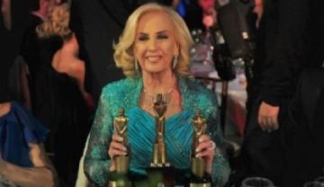 Mirtha Legrand con sus tres premios Martín Fierro de la noche (Marcelo Carroll)