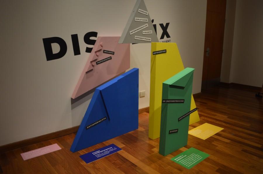 Pieza manifiesto de la Cooperativa de Diseño Foto: Dopler Agencia de Noticias de Diseño. Todos los derechos reservados.
