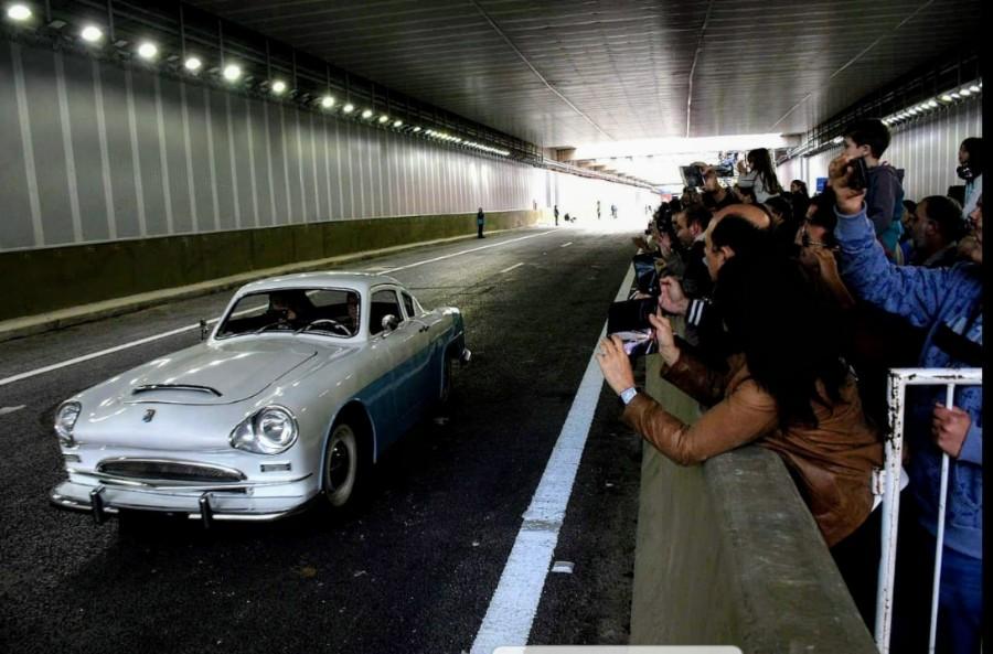 Justicialista fue una serie de automóviles producidos en Argentina entre 1953 y 1955. Desfila uno de de ellos con su imponente diseño con impronta argentina, propiedad del reconocido Arq. Daniel  Becker