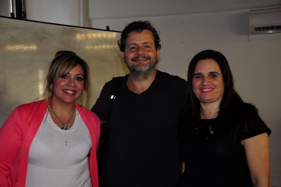 DCV Mariela Lopazzo Directora de Dopler Agencia de Noticias de Diseño y Secretaria de la ADCVBA junto a DCV Sebastian Guerrini y la DCV Natalia Ormazabal, presidente de la ADCVBA. Foto DCV Federico Giménez ADCVBA