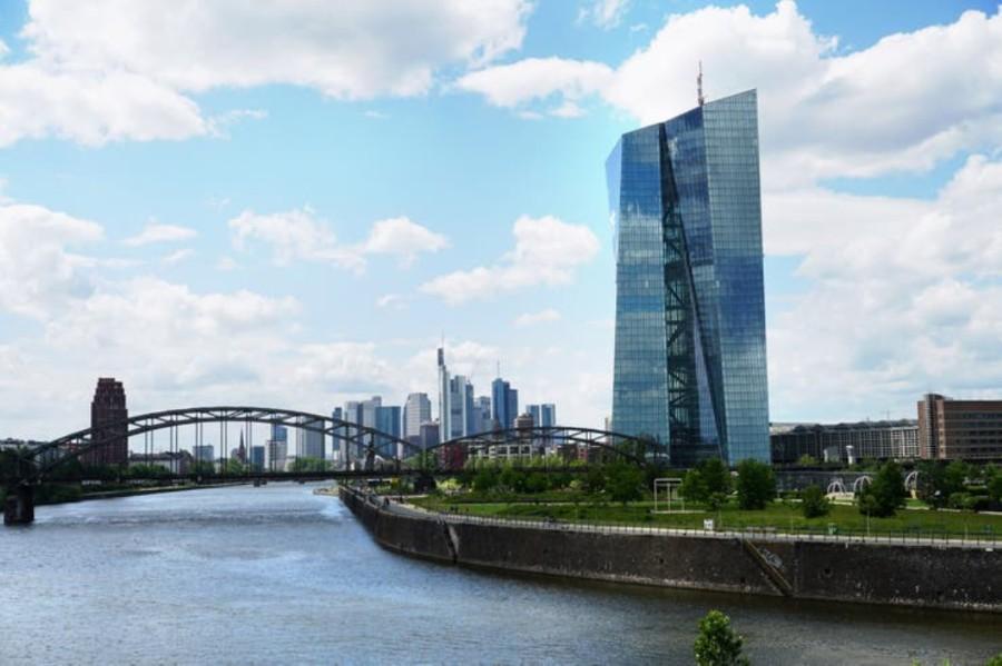 El rascacielos del Banco Central Europeo se construyó en el predio del antiguo mercado de abasto de Frankfurt