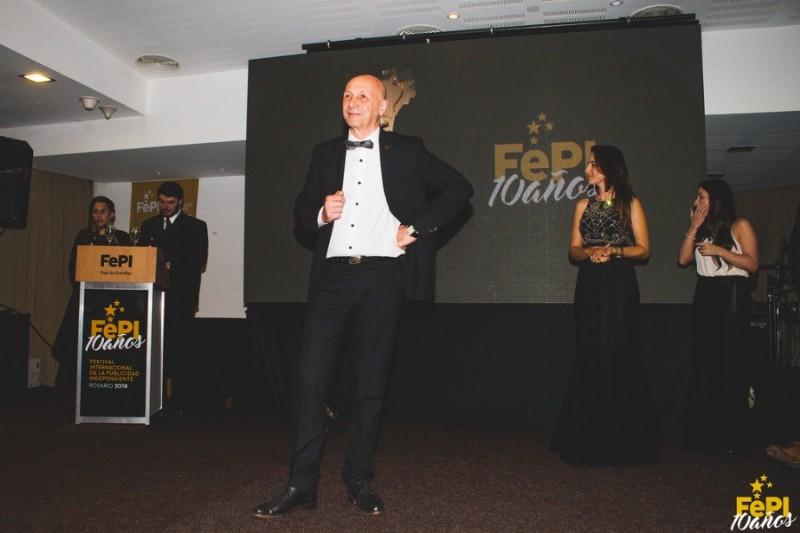 Osvaldo Palena presentando los 10 años de FePI