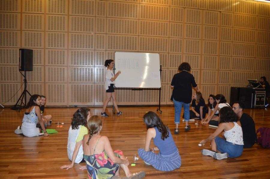 Asistentes al taller de Cooperativismo en Diseño en el CCK
