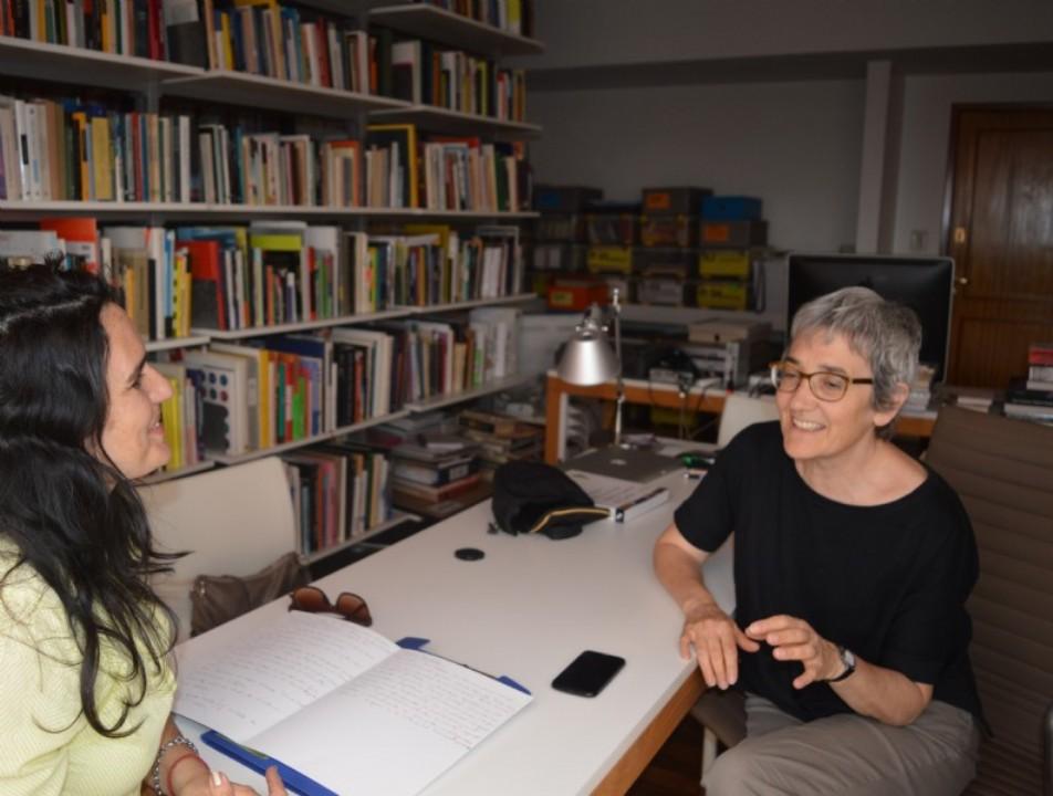 Foto: DCV (UNLP) Directora de Dopler, con la diseñadora e investigadora egresada de la UNLP Silvia Fernández . Todos los derechos reservados