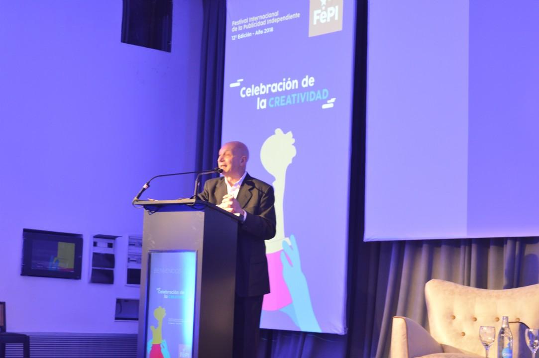 Osvaldo Palena, director de FePI, agradeciendo la presencia de Agencias y Productoras Independientes en el festival. Foto: Dopler. Todos los derechos reservados