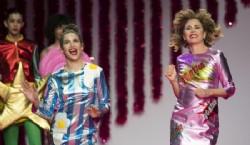 Vestidos plato con el logotipo de Ágatha, un clásico de la diseñadora española