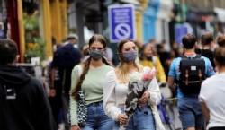 """""""Si pudiéramos lograr que todo el mundo usara una máscara ahora, realmente creo que podríamos tener esta epidemia bajo control en cuatro, seis u ocho semanas"""", dijo el director del CDC de EEUU. (REUTERS/Simon Dawson)"""