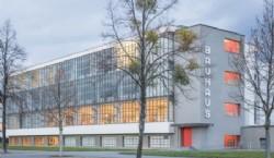 La segunda sede de la Bauhaus, diseñada por Gropius, en Dessau